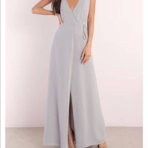 DREAM AWAY PLUNGING MAXI DRESS
